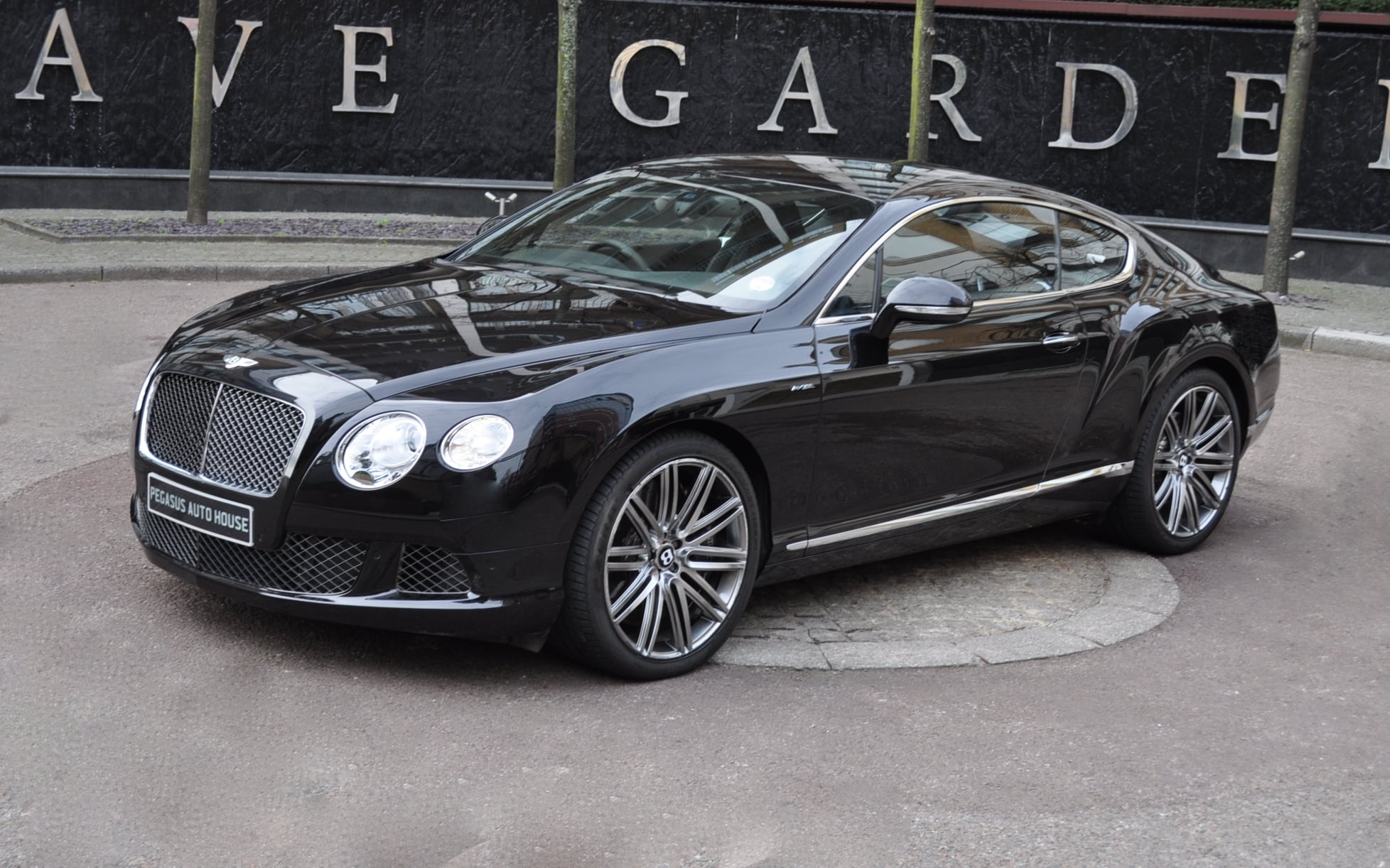 ... Close Doors Keyless start Adjustable suspension Adjustable spoiler Electric steering column Power boot Auto dimming rear view mirror Rain Sensing ... & RHD Bentley Continental GT Speed - Pegasus Auto House