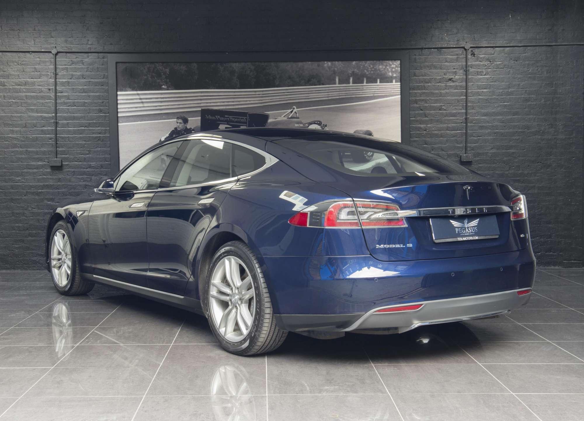 Direct Import Home Decor Tesla Model S 85 Pegasus Auto House