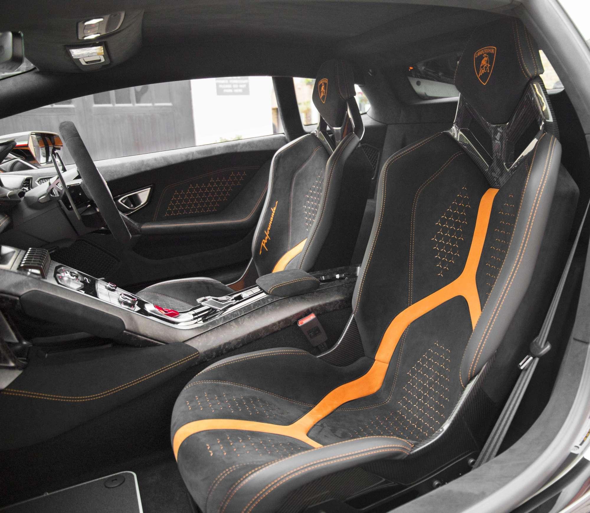 2017 Lamborghini Huracan Interior: Lamborghini Huracan Performante